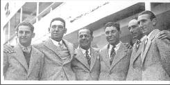 J. Martínez, Marcos Churio, José Jurado, Aurelio Castañón, M. Posse y E. Bertollino a bordo del buque Aragón Star en el Puerto de Bs. As., rumbo a Inglaterra en 1939